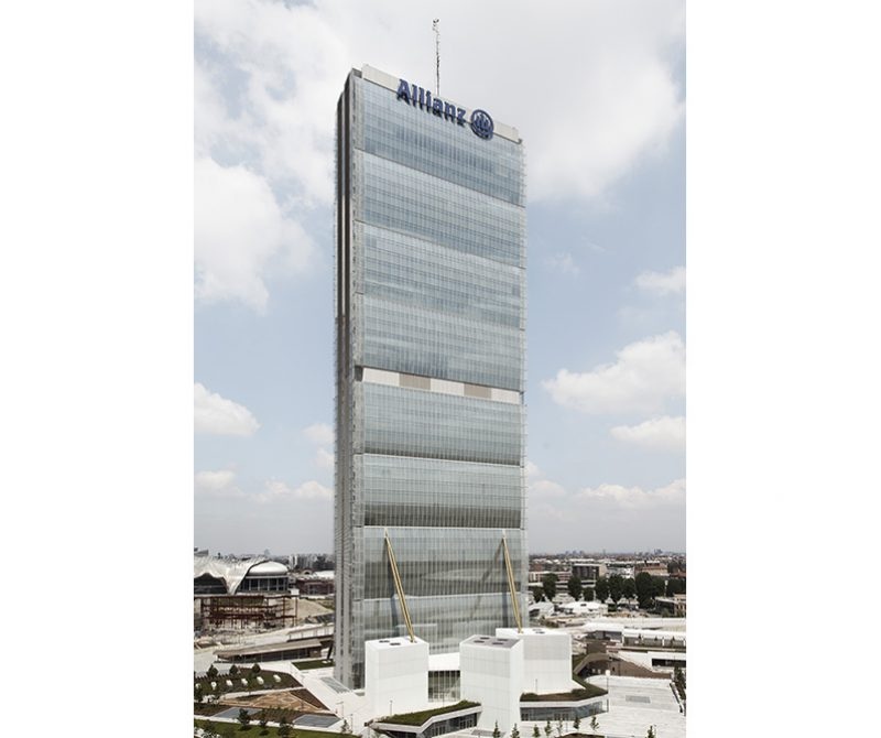 Allianz-Tower-photographer
