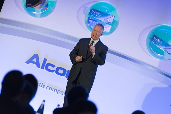 Milan corporate event photographer: Alcon meetings and events